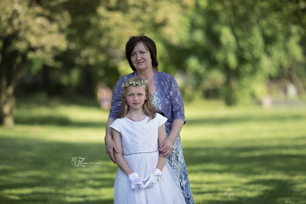 best -photographer-burton-on-trent-photographers-derby-lichfield-swadlincote-maternity-nebon-outdoor-studio-dress-flowers-children-girl-kids-woods-family-grandmother-1