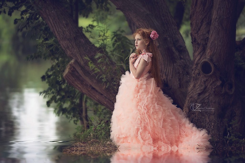 best-photographer-children-kids-girls-burton-on-trent-lichfield-derby-swadlincote-river-trees-princess-dress-8